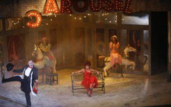 """Scenă din """"Carousel"""""""