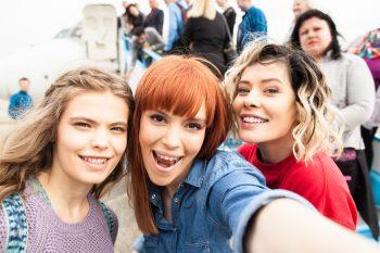 Un selfie al protagonistelor