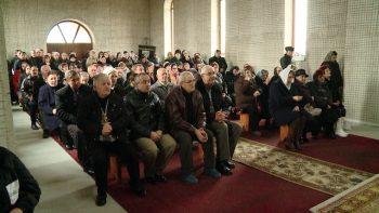 Biserica ortodoxă din Cioncheşti şi-a sărbătorit ocrotitorul, pe Sfântul Nectarie