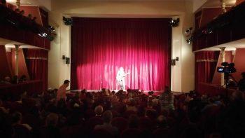 Ducu Bertzi pe scena Teatrului din Carei