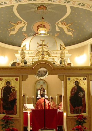 Doua biserici, una ortodoxa si una greco-catolica maghiara si-au sarbatorit hramul