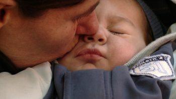 În rândurile de mai jos ne dorim să vă prezentăm povestea lui Alex, un bebeluş care a venit pe lume în urmă cu două luni, în luna octombrie la final