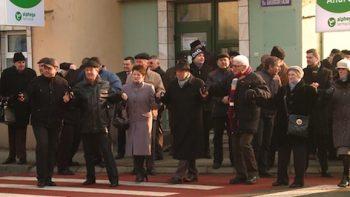Hora Unirii la bustul lui Alexandru Ioan Cuza