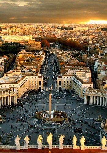 Vaticanul văzut de sus