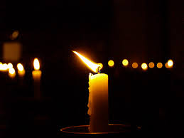 Din 20 februarie 2017, ajutorul de înmormântare s-a mărit. Practic, de la această dată, ajutorul ce se acordă rudelor persoanei asigurate care a decedat este de 3.131 lei