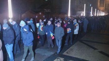 Aproximativ 2000 de satmareni au iesit duminica seara pentru a protesta