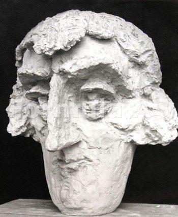 Toma Caragiu sculptat de sora sa