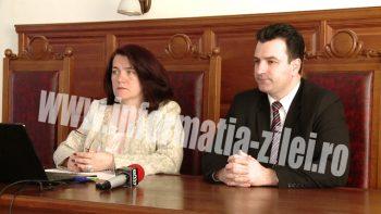 Nilda Preda Tîrnoveanu - preşedinta Tribunalului Satu Mare şi judecător Remus Nemeş - purtător de cuvînt