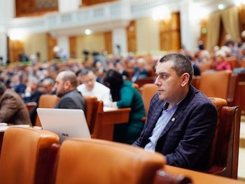 Magyar Lorand-parlament