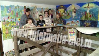 Ei sunt îndrumaţi de profesoara Cristina Gloria Oprişa