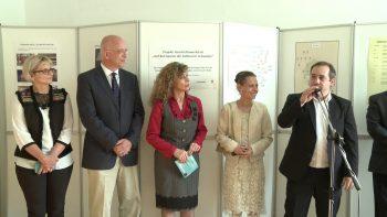 Ambasadorul german (al doilea din stânga) alături de organizatorii expoziţiei