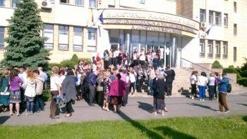 Finanţiştii sătmăreni protestează din nou împotriva Legii salarizării