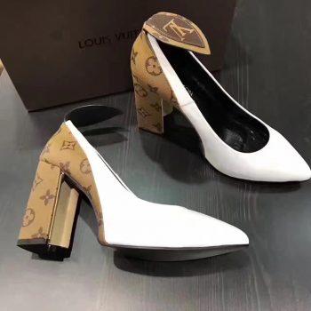 Pantofii Louis Vuitton sunt produşi în România, la Cisnădie, scrie The Guardian