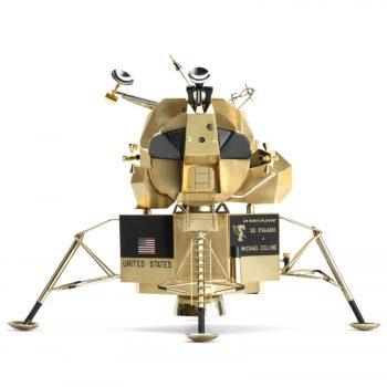 Replica modelului lunar