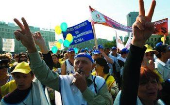 Sindicalistii ameninta cu greva