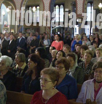 Credincioşii sătmăreni au cinstit Sfânta Cruce prin rugăciuni şi cântări