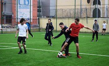 Terenul de sport de la Colegiul National Mihai Eminescu