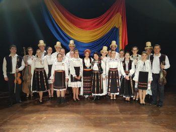 Spectacolul folcloric