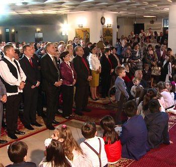 PS Episcop Iustin Sigheteanu a slujit la Biserica Sfintii Imparati COnstantin si Elena in a doua zi de Pasti
