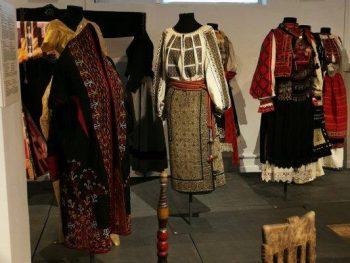 Exponate din Muzeul Textilelor