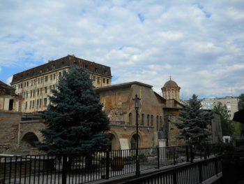 Palatul voievodal Curtea Veche