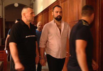 Razvan Rentea, la intrarea in sala de judecata