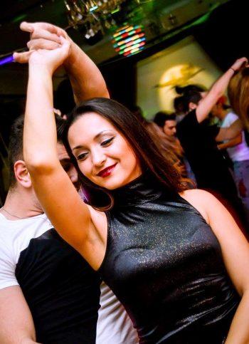 Syzana în dansul vieţii