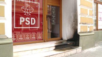 Sediul PSD incendiat cu cocktail-uri Molotov