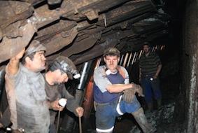 Scaderi ale castigului salarial in minerit