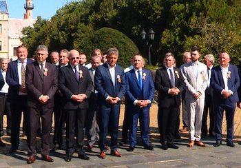 Reprezentanţii Asociaţiei s-au închinat în faţa statuii lui Vasile Lucaciu