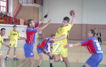 Poză din arhivă de la un meci CS Unio Satu Mare, sezon 2004-2005