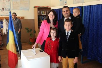 Familia Les la vot