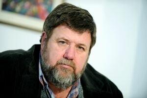 Bogdan Hossu critică transferul contribuţiilor de la angajator la angajat