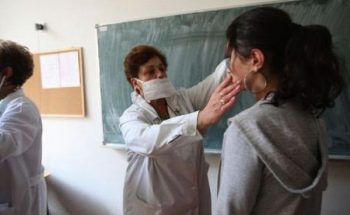 Incepe triajul epidemiologic in scoli