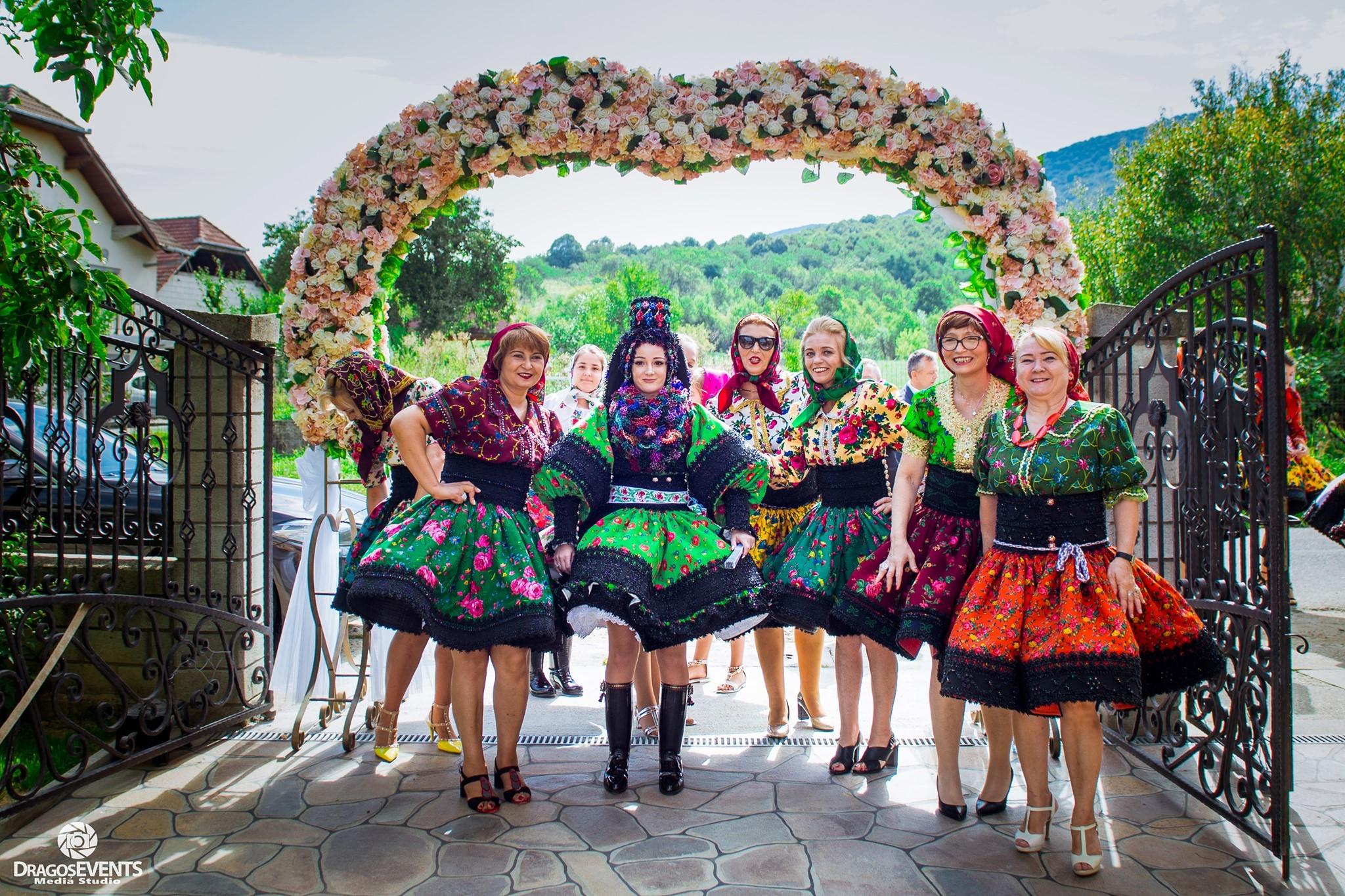În Ţara Oaşului se desfăşoară în această perioadă un adevărat regal de nunţi. Foto: Dragoş Events