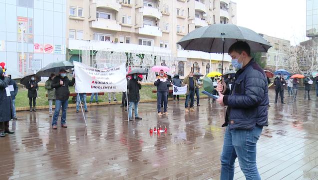 Zeci de oameni ai legii au protestat joi, 31 decembrie, în Centrul Nou