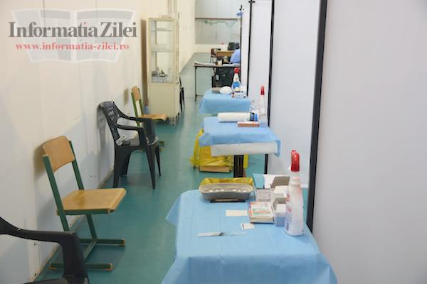 """Centru de vaccinare la Şcoala """"Avram Iancu"""" din Satu Mare"""