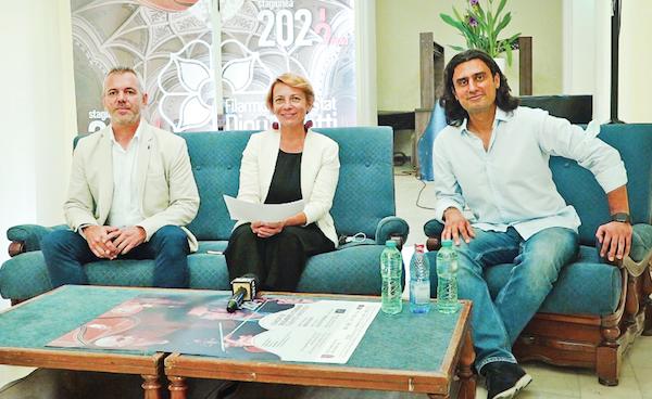 Despre noua stagiune au vorbit Claudiu Pitic - director adjunct, Kovacs Emoke - manager şi dirijorul Mihnea Ignat