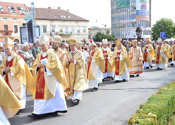 beatificarea-episcopului-romano-catolic-janos-scheffler03
