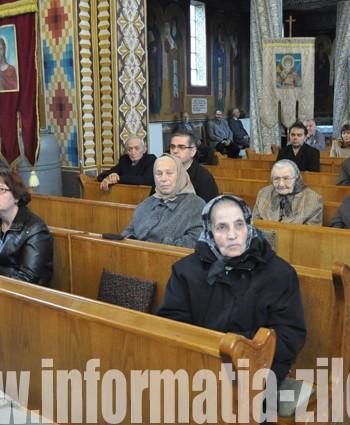 Ieri, sute de sătmăreni s-au rugat Sfintei Parascheva