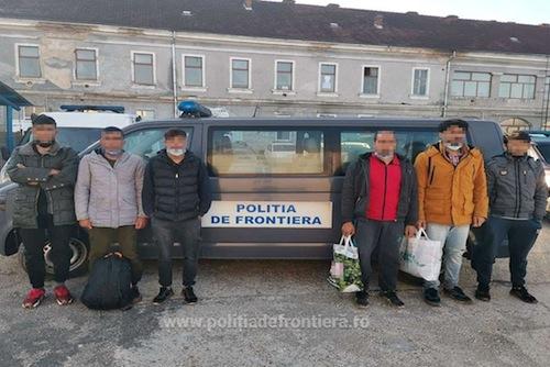 Persoanele au fost conduse la sediul Serviciului Teritorial al Poliţiei de Frontieră Satu Mare în vederea continuării cercetărilor